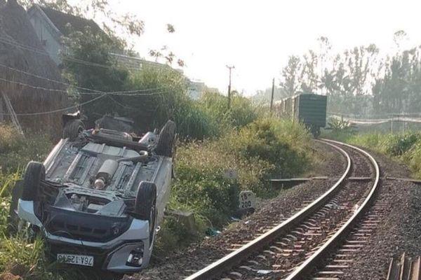 Làm rõ trách nhiệm gác chắn vụ tàu hỏa đâm ô tô ở Quảng Ngãi