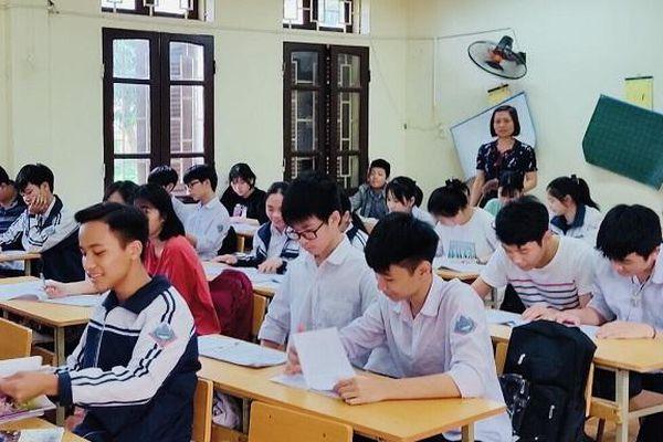 Gấp rút ôn tập cho học sinh thi vào lớp 10