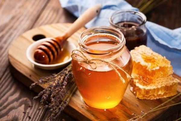 Chỉ một cốc nước ấm mật ong vào buổi sáng nhưng công dụng cực kỳ bất ngờ