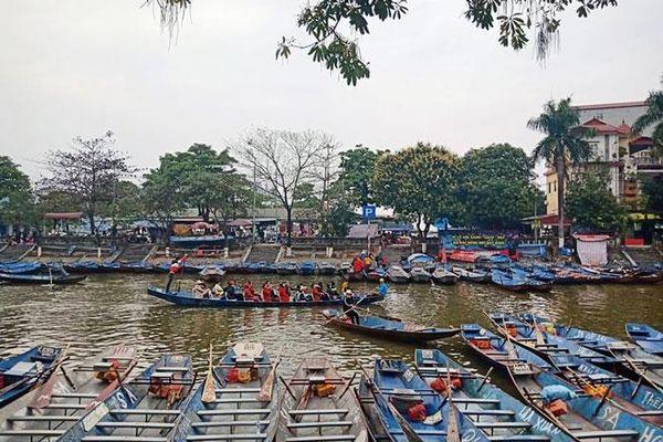 Xử lý một số đối tượng không đeo khẩu trang, tổ chức đánh bạc tại chùa Hương