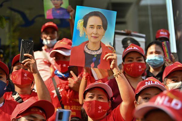 Bất ổn chính trị đe dọa nền kinh tế của Myanmar