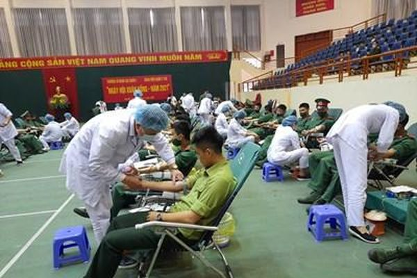 7 năm quân ngũ, 9 lần tham gia hiến máu tình nguyện