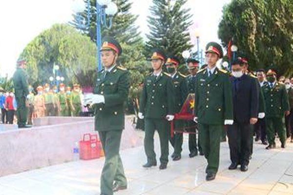 An táng hai hài cốt liệt sĩ tại Đắk Lắk