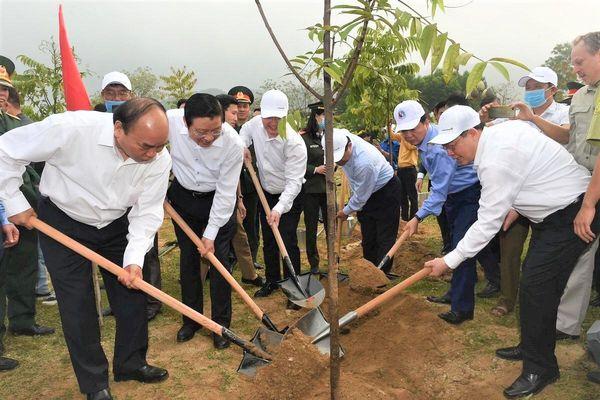 Toyota Việt Nam đồng hành cùng Lễ phát động Tết trồng cây 'Đời đời nhớ ơn Bác Hồ'