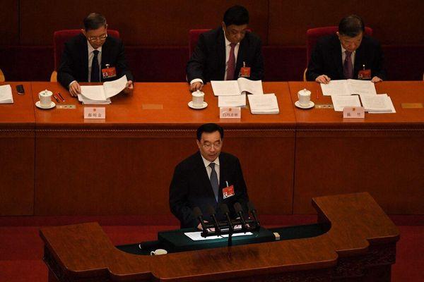 Ngay trước cuộc gặp cấp cao, Mỹ trừng phạt 24 quan chức Trung Quốc