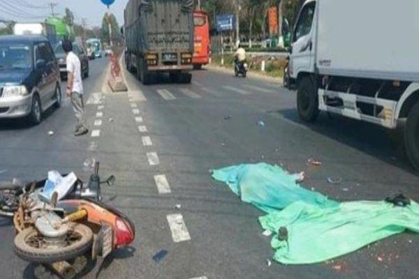 Tin giao thông đến sáng 18/3: Xe máy va chạm ô tô, 4 người tử vong