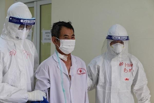 Bệnh nhân Covid-19 nặng nhất Hải Dương xuất viện