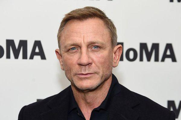 007 của Daniel Craig xuất hiện trong hài kịch truyền hình