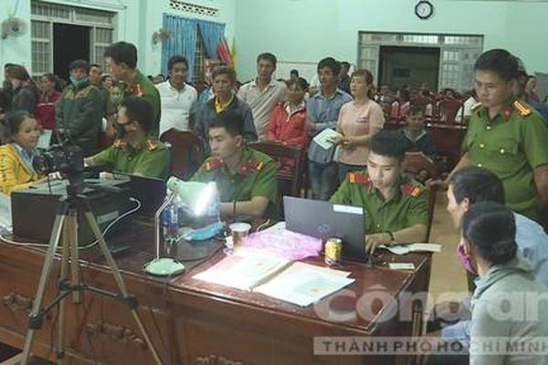 Công an huyện Krông Pắk cấp CCCD 'làm hết việc, không hết giờ'