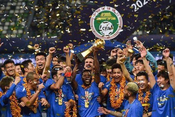 CLB Trung Quốc giải tán, bóng đá Thái Lan hưởng lợi