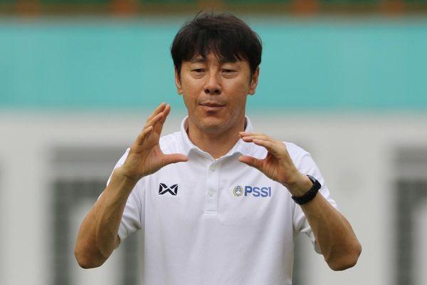HLV Shin Tae Yong của Indonesia mắc COVID-19
