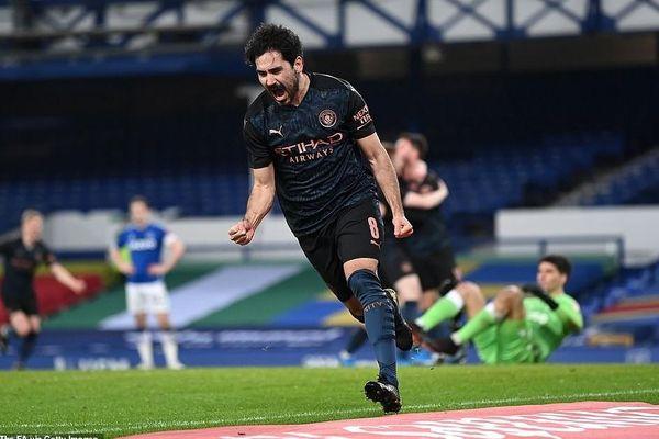 Thắng phút cuối, Man City vào bán kết FA Cup