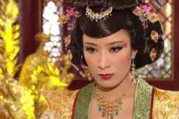 Những vị Hoàng hậu đặc biệt nhất hậu cung Trung Hoa: Kẻ ghen tuông cay nghiệt lấn át Hoàng đế, người chỉ tại vị nửa ngày khiến ai cũng thương tiếc