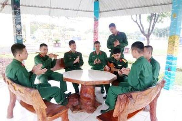 Phát huy sở trường của chiến sĩ mới