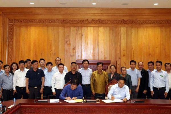 Nghiệm thu, bàn giao công trình Nhà Quốc hội Lào