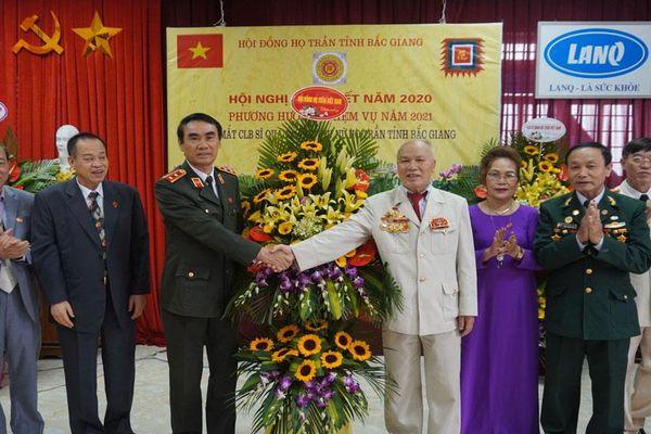 Hội đồng họ Trần tỉnh Bắc Giang ra mắt câu lạc bộ sĩ quan và phụ nữ