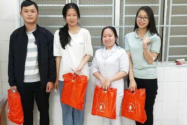 Đà Lạt: 4 bạn trẻ kịp thời hiến máu cứu mẹ con sản phụ trong đêm