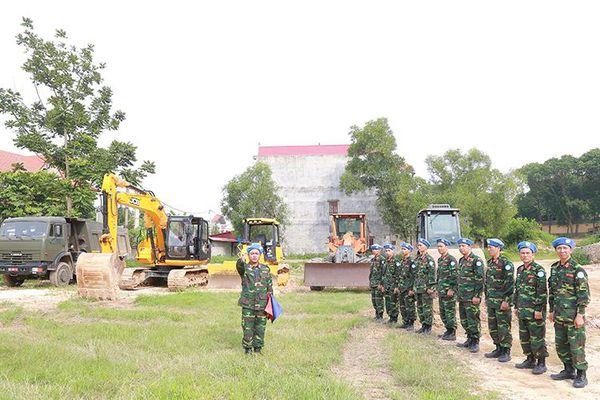 Bộ đội công binh thi đua học tập và làm theo Bác