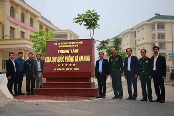 Hội Cựu chiến binh Ban Tuyên giáo Trung ương thăm Trường Quân sự