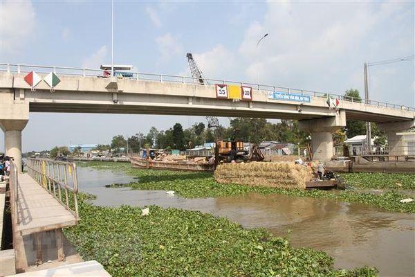 Thủ tướng chỉ đạo ứng phó xâm nhập mặn tại Đồng bằng sông Cửu Long