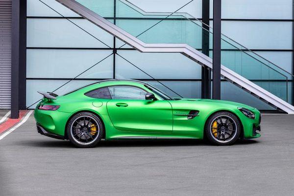 Top 10 siêu xe thể thao tốt nhất năm 2021: Mercedes-AMG GT-R góp mặt