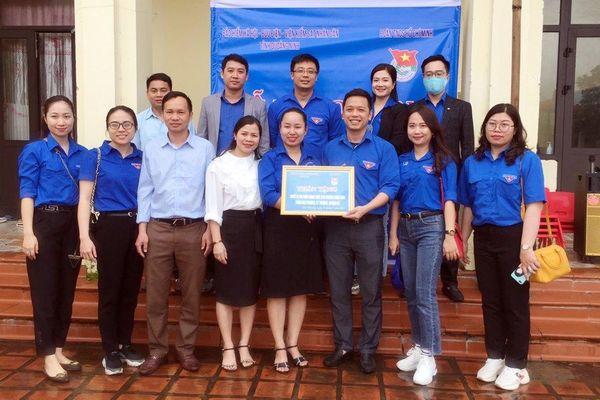 Bàn giao công trình vui chơi cho điểm trường liên cấp thôn Khe Phương, Kỳ Thượng, Hạ Long