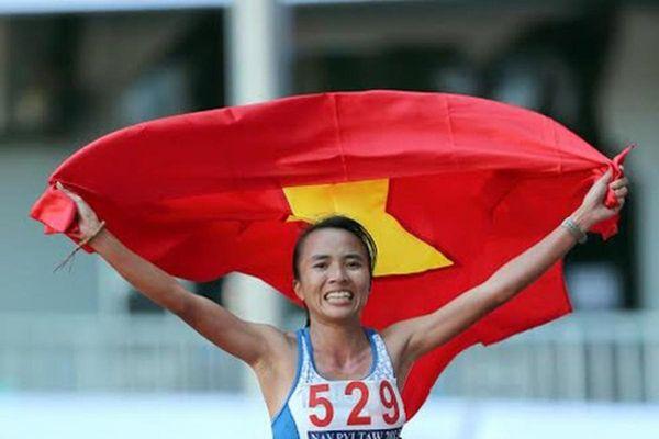 Tiền Phong Marathon 2021 chào đón sự trở lại của 'nữ hoàng chân đất' Phạm Thị Bình