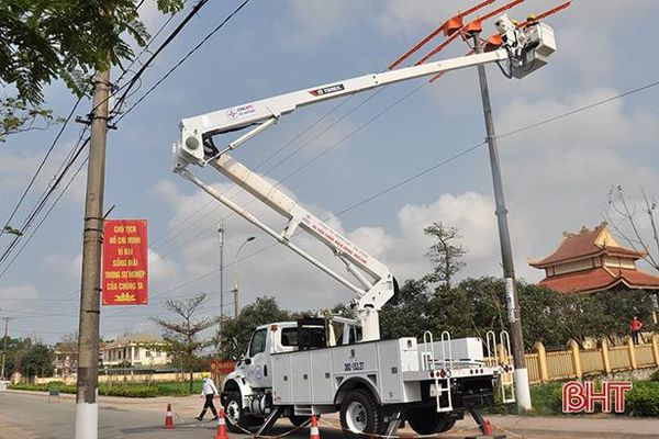 Để vận hành ổn định mùa nắng, lưới điện Hà Tĩnh được gia cố... hơn 361 tỷ đồng