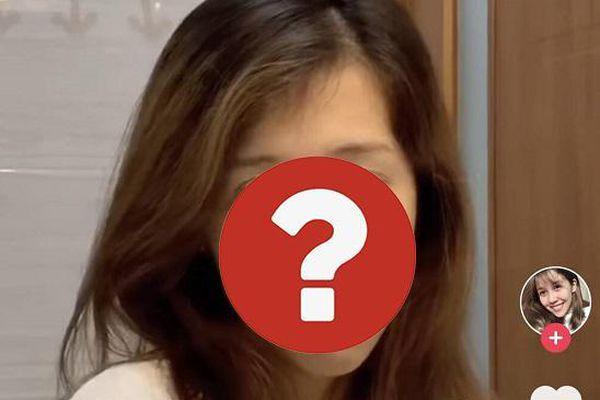 Nữ Youtuber đình đám lộ nhan sắc 'không son phấn' trên Tiktok khiến nhiều người 'ngỡ ngàng'