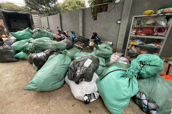 Phát hiện kho hàng nhập lậu và giả mạo nhãn hiệu lớn tại Hà Nội