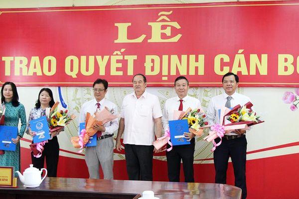 UBND tỉnh An Giang trao quyết định bổ nhiệm 6 cán bộ