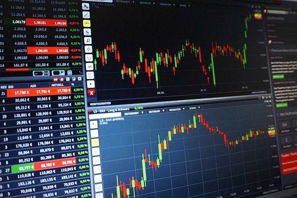 Tác động của nguyên tắc thận trọng đến giá trị hợp lý của các công ty niêm yết trên sàn giao dịch chứng khoán TP. Hồ Chí Minh