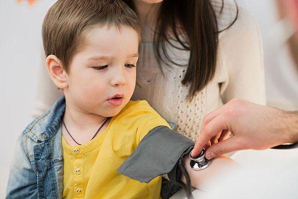 Cao huyết áp ở trẻ em có nguy hiểm không? Những biến chứng thường gặp
