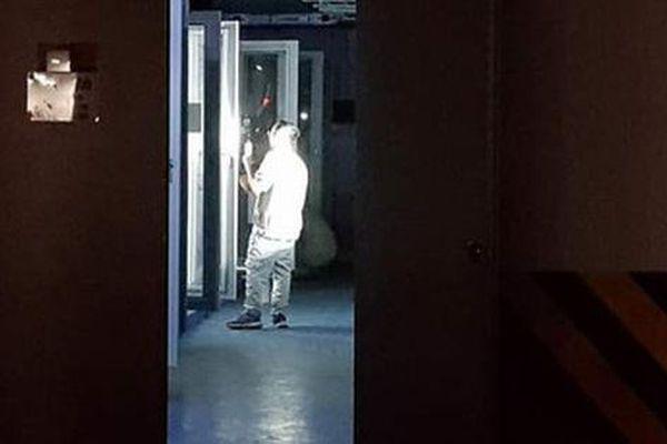 Cư dân chung cư 6th Element: 'Lúc đó tôi nghĩ mình sẽ chết trong thang máy'