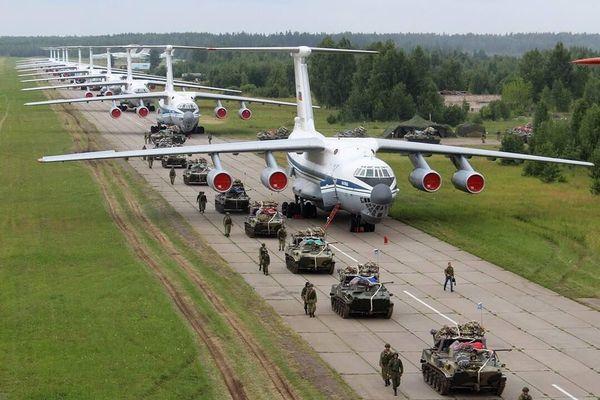 Nga tăng cường đơn vị lính dù tinh nhuệ tới Crimea giữa căng thẳng với Ukraine