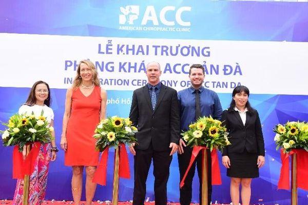 ACC có kế hoạch hợp tác đào tạo bác sĩ trị liệu thần kinh cột sống tại Việt Nam