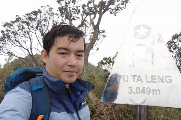 Trần Đặng Đăng Khoa vượt rừng, chinh phục đỉnh núi cao thứ ba Việt Nam