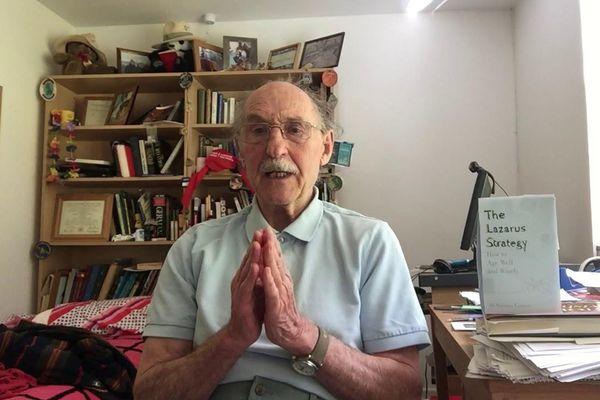 Thể lực của giáo sư 84 tuổi trẻ như 20: Dùng 3 'viên đạn thần kỳ' để làm đảo ngược tuổi của bạn