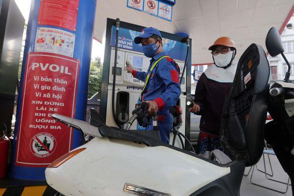 Không để tình trạng 'té nước theo mưa' khi giá xăng có xu hướng tăng