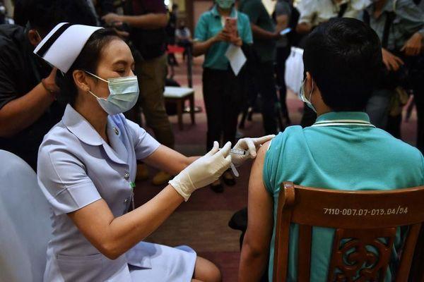 Cách nước giàu tạo ra 'vaccine phân biệt chủng tộc'