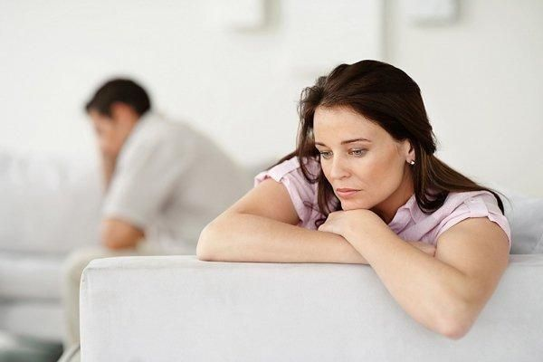 Nhăm nhăm thử thai - nỗi khốn khổ của chị em tuổi 40