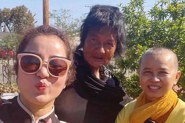 Ca sĩ Kim Ngân được danh hài Thúy Nga đưa về nơi ở mới