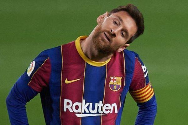 Messi tố trọng tài ngăn anh ra sân ở Siêu kinh điển