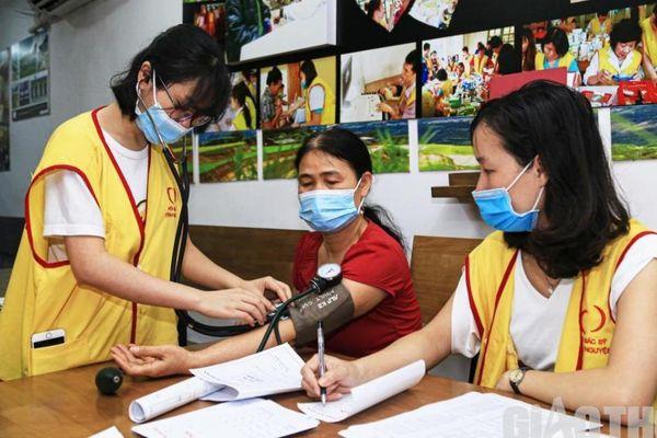 Cận cảnh 'phòng khám' miễn phí trong quán cà phê 'Mơ Phố' ở Hà Nội