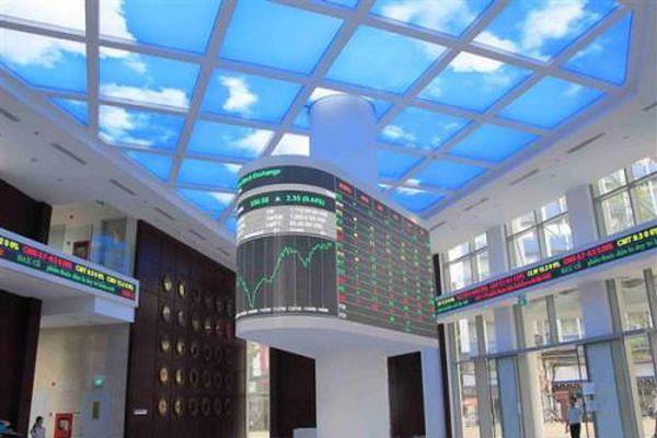 Sau 3 tháng nghẽn giao dịch, tiền mua bán cổ phiếu trên sàn HoSE trong quý I vẫn tăng hơn 300%