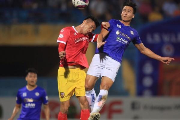 Vòng 7 giải bóng đá LS V.League 1-2021: Căng thẳng và chật chội