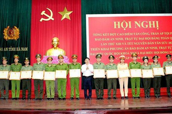 Hà Nam: Công an lập công, tỉnh thưởng 500 triệu đồng