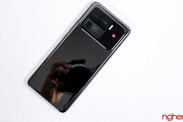 Trên tay Xiaomi Mi 11 Ultra tại Việt Nam: hoàn thiện cao cấp, camera 'hợp tác' cùng cả Leica và Zeiss
