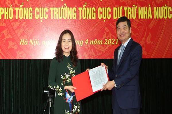 Trao quyết định bổ nhiệm Phó Tổng cục trưởng Tổng cục Dự trữ Nhà nước