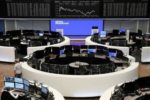 FED chưa vội thắt chặt chính sách tiền tệ, chứng khoán châu Âu lập kỷ lục